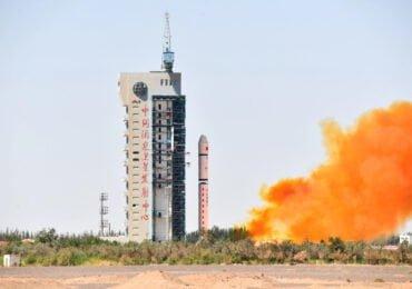 Long March 2D avec Tianhui1-04 au moment du décollage © China Daily