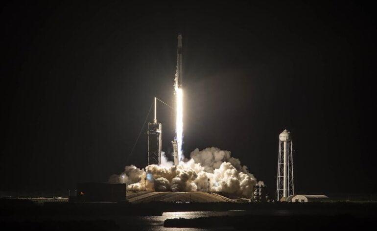 Décollage de Falcon 9 pour la mission Inspiration4 © SpaceX