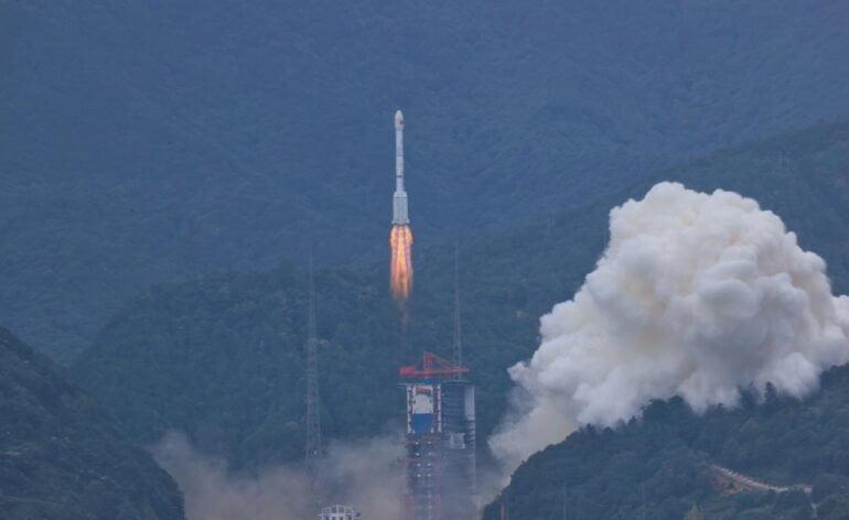 Long March 3B avec Shiyan-10 à bord